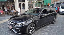 Dùng siêu xe Mercedes-Benz 9 tỷ đồng làm... taxi