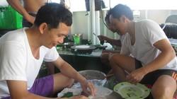Chuyện bếp núc giữa biển khơi