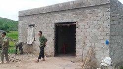 Quảng Ninh: Ôm cưa sắt trú dưới gốc cây bị sét đánh chết