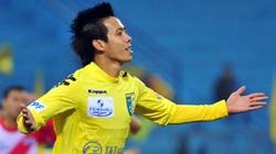 Văn Quyết lập hat-trick giúp Hà Nội T&T củng cố ngôi đầu