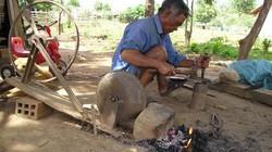 """Truyền thuyết """"con dao thần"""" và bí truyền của thợ rèn trên đỉnh Ngok Phi"""