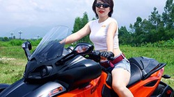 Nữ cán bộ hàng không đam mê xe côn tay