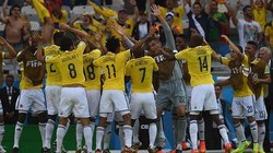 Xem lại pha ăn mừng bàn thắng cực dị của ĐT Colombia