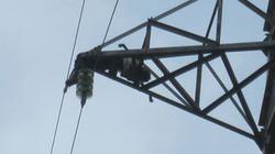 Hải Phòng: Phát hiện thi thể cháy đen trên cột điện cao 30m