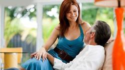 Cay đắng vì chồng 64 tuổi vẫn ngoại tình