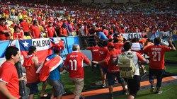 Chùm ảnh: Hooligan Chile đập phá, náo loạn SVĐ Maracana