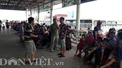 Hàng trăm du khách bị kẹt nhiều giờ tại bến phà Tuần Châu-Cát Bà