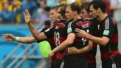 Bại trận trước người Đức, ĐT Mỹ vẫn giành vé đi tiếp