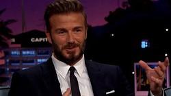 """Beckham bị vợ… cấm hôn và phải rình trộm con """"cưa gái"""""""