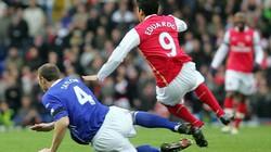 Những khoảnh khắc gây sốc nhất trong lịch sử Premier League (P4)