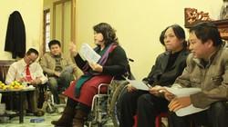 Nỗi lòng người khuyết tật bị phi công từ chối bế