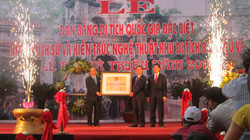 Du khách đổ xô đến Đền Bà Triệu dự lễ đón bằng di tích Quốc gia đặc biệt