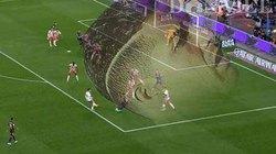 ẢNH CHẾ: Messi lập siêu phẩm nhờ tóc Ronaldo, bầu Đức bó tay với Hòa Minzy