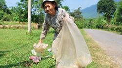 Cụ bà 10 năm tự nguyện gom rác