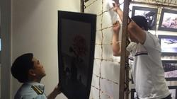 """Tạm giữ tất cả ảnh ở triển lãm bị phản ứng gay gắt - """"Hoa nơi chiến trường"""""""