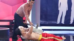 Hoài Linh rùng mình với chàng trai nằm trên bàn chông
