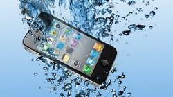 Những điều cần làm ngay khi rơi điện thoại xuống nước