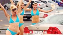 Trò đùa kỳ cục của dàn mẫu bikini rửa xe miễn phí