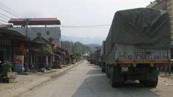Gạo xuất khẩu ùn ứ tại cửa khẩu