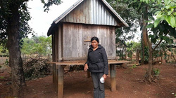 Phụ nữ Kon Chiêng góp thóc xóa đói nghèo