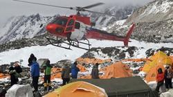 Video: Lở tuyết san phẳng khu trại leo núi Everest