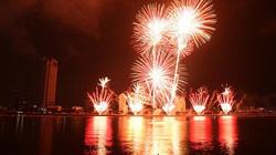 Chùm ảnh: Pháo hoa rực rỡ trên bầu trời Đà Nẵng
