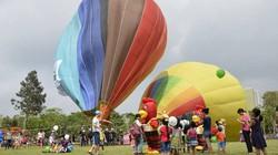 Lễ hội khinh khí cầu: Khinh khí cầu không bay, chỉ đứng