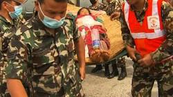 Động đất Nepal: Bác sĩ dùng nắm đấm cứu người