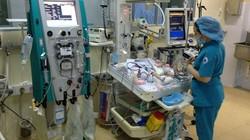 Cứu sống trẻ sơ sinh sau 50 giờ lọc máu