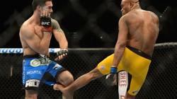 Clip: Võ sĩ UFC bị gãy gập cẳng chân khi ra đòn
