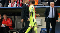 """Guardiola """"xin xỏ"""" Messi trong giờ nghỉ?"""