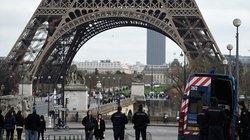 Pháp: Tháp Eiffel đóng cửa vì nạn móc túi