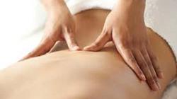 Mâu thuẫn tiền dịch vụ massage, chém gục 2 quản lý