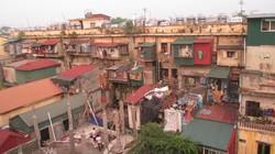 """Rùng mình những căn hộ """"hứng nước thải"""" ở Hà Nội"""