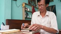 """Gặp người đàn ông 37 năm """"chữa bệnh"""" cho... sách cũ"""