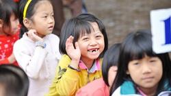 Nụ cười trong sáng của trẻ em vùng nông thôn