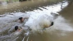 5 nam sinh rủ nhau tắm biển, 2 em chết đuối