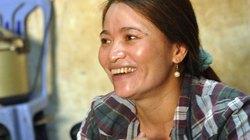 Chị ve chai cười tươi trước giờ nhận lại 5 triệu Yên