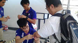 """Tình nguyện viên tại SEA Games: """"Khỏi nói tiếng Anh, em là người Việt!"""""""