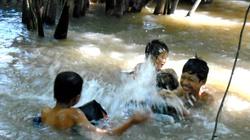 Nhớ thời... tắm mát ở sông quê!