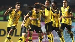 U23 Malaysia thắng chật vật, U23 Singapore thắp lên hy vọng