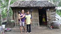 Niềm vui đến hơn 2.000 hộ nghèo