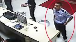 """Video: Cảnh sát """"dỏm"""" táo tợn xông vào đồn cứu bạn"""