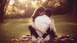 """10 điều bạn phải """"cắn răng chịu đựng"""" khi yêu"""