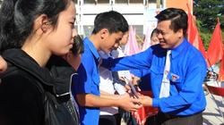 Quảng Ngãi: Đưa hàng ngàn học sinh nghèo đi thi, lo từ A-Z