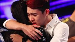 Nguyễn Duy ôm Thu Minh khóc nức nở khi bị loại Vietnam Idol