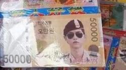 """""""Đại úy"""" Song Joong Ki được in lên tiền âm phủ Đài Loan"""