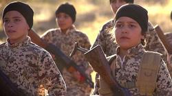"""""""Đạo quân trẻ mồ côi"""" IS quyết đòi nợ máu với phương Tây"""