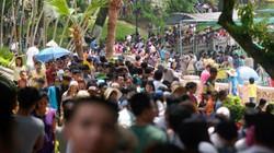 Các công viên Hà Nội chật kín người, quá tải trong dịp nghỉ lễ