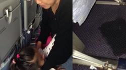 TQ: Bà tụt quần cháu cho tè giữa máy bay